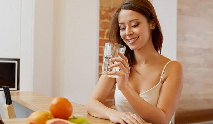 Можно ли запивать еду водой
