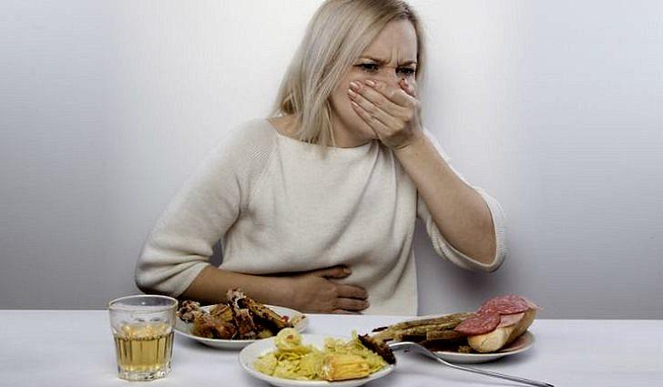 Отчего возникает тошнота после еды