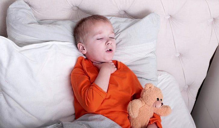 Симптомы ложного крупа у детей и первая помощь