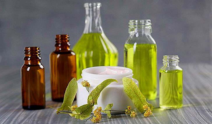 Камфорное масло с медом и спиртом применяется для лечения пневмонии