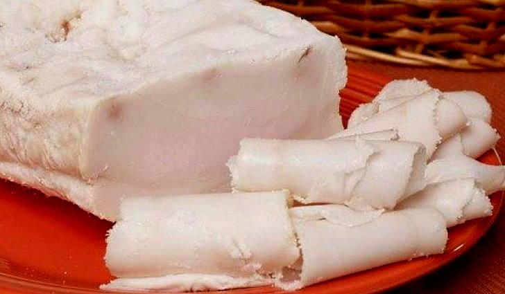 Свиной жир входит в рецепт лечения пневмонии