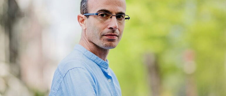 Профессор Харари. Автор книги Sapiens